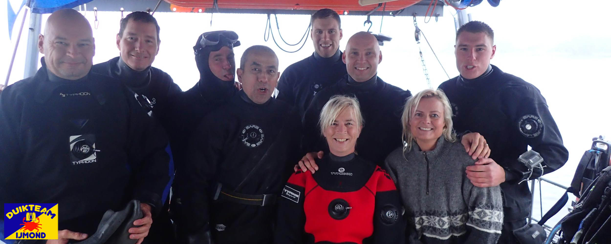 Duikteam IJmond duiken vanaf ons eigen duikschip