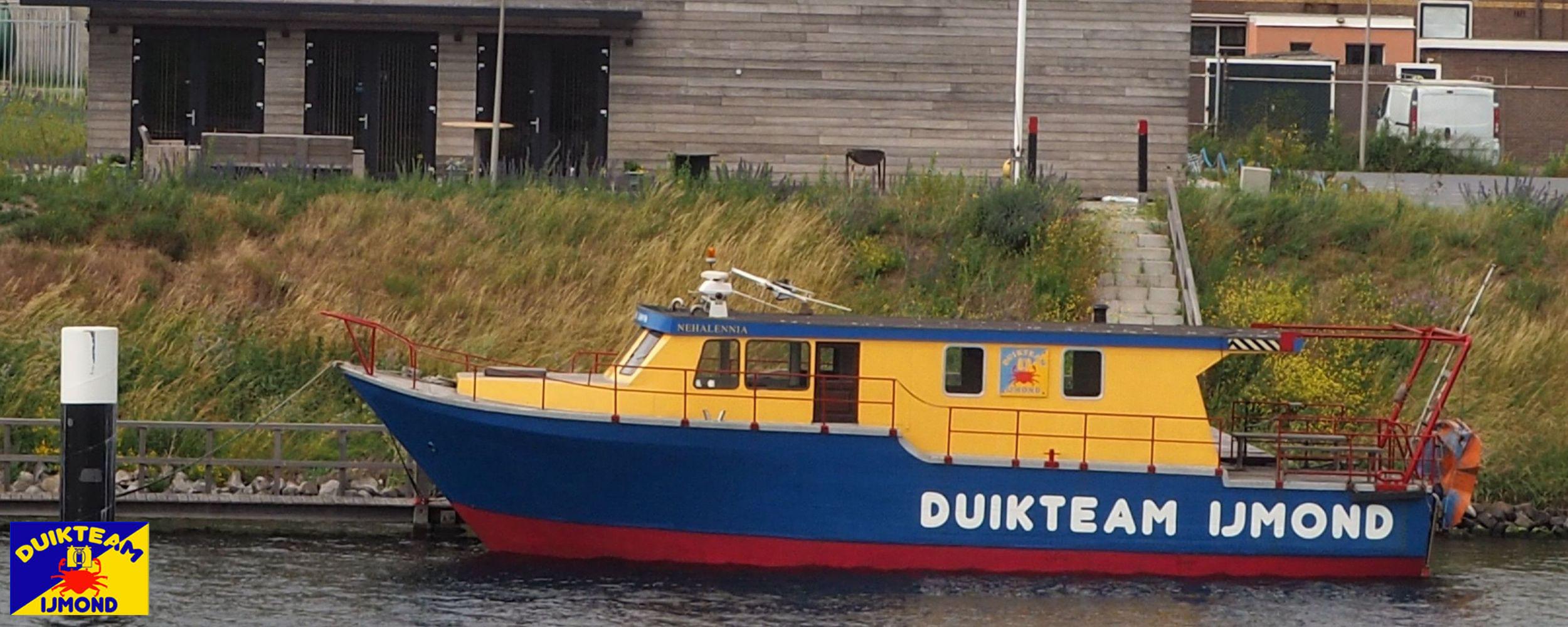 Ons zeeduikschip de Nehalennia voor het clubhuis